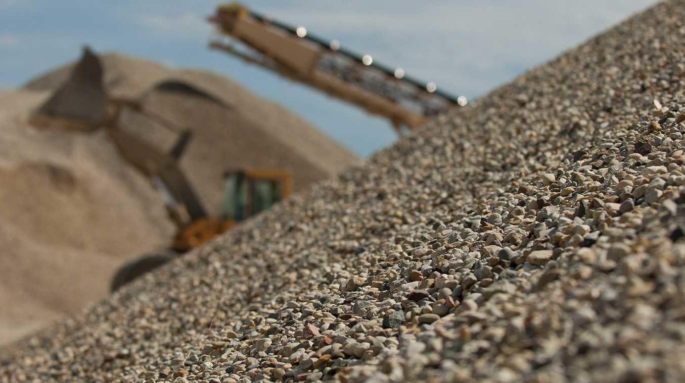 Корытная гравиемойка и особенности промывки щебня и песка